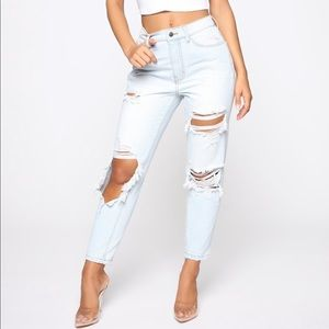 Ripped Jeans - NEW